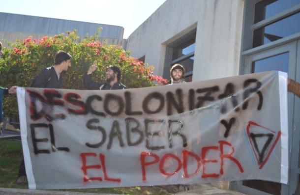 A faixa que sintetizava a inspiração política da mobilização estudantil